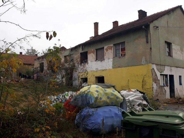 Deponija u ulici Božanić Stanić / Foto: Južne vesti