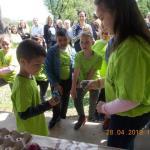 U crkvištu Cara Kostantina, u naselju Bankovac, održana četvrta tucijada uskršnjih jaja