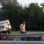 Kombi udario kamion na auto-putu kod Aleksinca, stradao vozač
