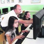Две девојчице су од гледања цртаћа на рачунару дошле до шампионики информатике
