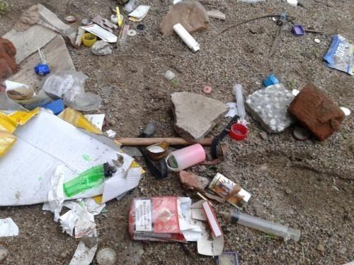 Шприцеви, графити и пластичан отпад