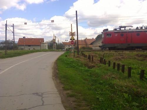 Због крађе каблова блокиран железнички саобраћај код Алексинца