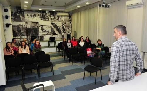 Mladi novinari iz Aleksinca posetili Tanjug
