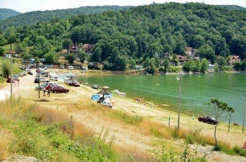 Спас од високих температура на плажама Бованског језера
