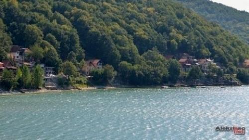 Када ће бити легализоване викендице на Бованском језеру?!