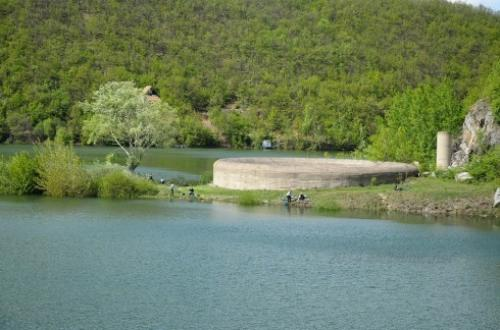 Za sada ne preti izlivanje Bovanskog jezera