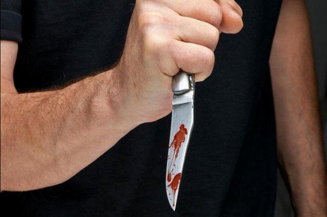 Strasti se ne smiruju: U napadima nožem povređeni tinejdžer i stariji muškarac