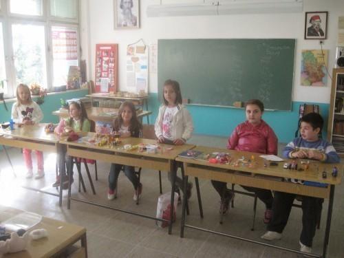 Основци из Дражевца остали без превоза и школе