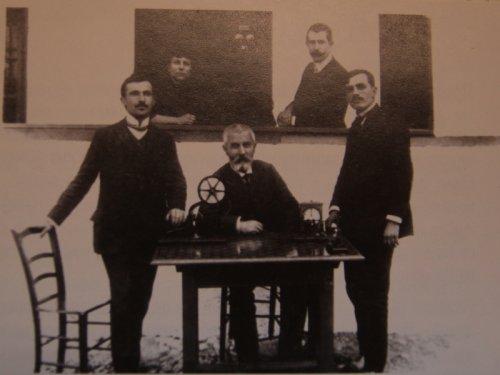 Osoblje PT stanice u Aleksincu iz 1908. godine: izvor: PTT muzej