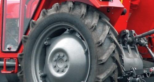 Возио трактор са 5,5 промила, закуцао се у кућу
