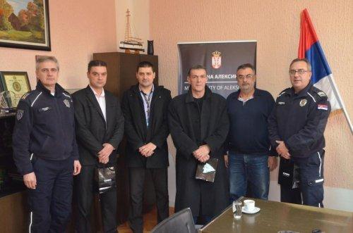 Predsednik opštine nagradio najbolje policajce