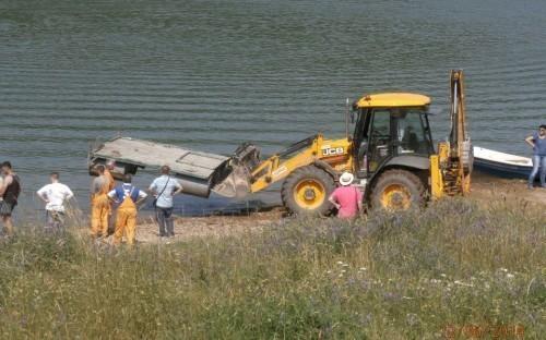 Уклањање нелегалних објеката на језеру