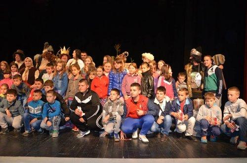 Деца из Косовске Каменице у посети Алексинцу
