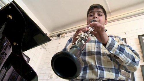 Dečak iz Aleksinca majstor na klarinetu
