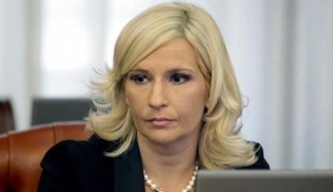 Михајловић уручује споразуме о међусобној сарадњи