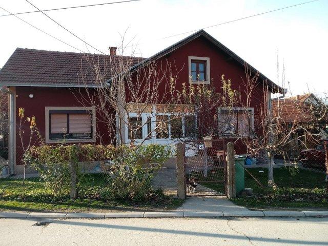 Kuća u Aleksincu na prodaju