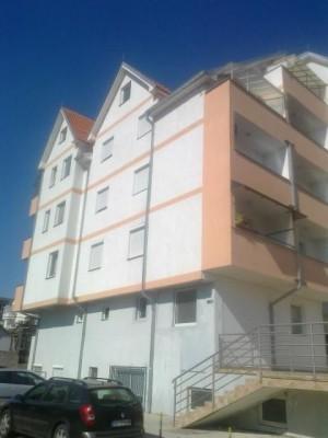 Prodajem stan u Obrenovcu. Hitno.