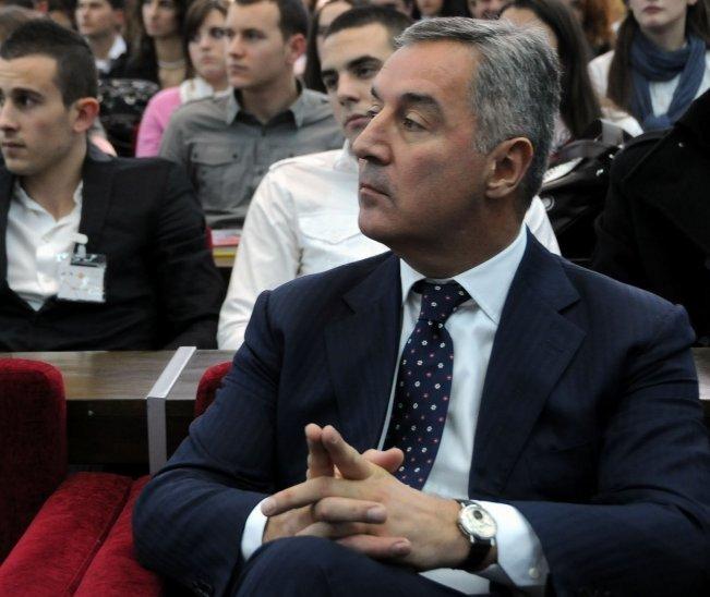 Обили сеф богаташа, украли 100.000 евра и сат са посветом Мила Ђукановића