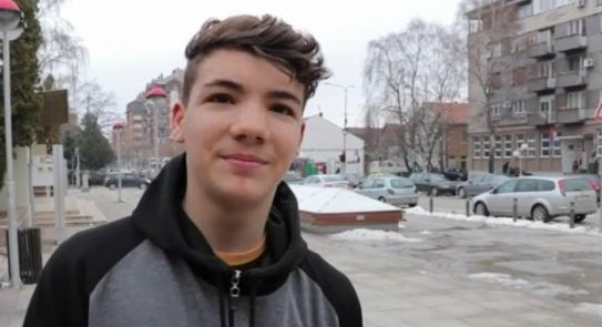 Интервју са фристајл фудбалером Петром Ранђеловићем