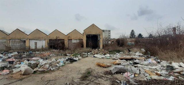 Nekada simbol grada, danas deponija (Video)