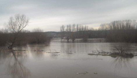 Smiruju se poplave, Vlada priprema pomoć