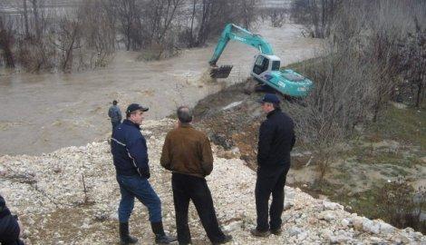Vanredne odbrane od poplava kod Aleksinca