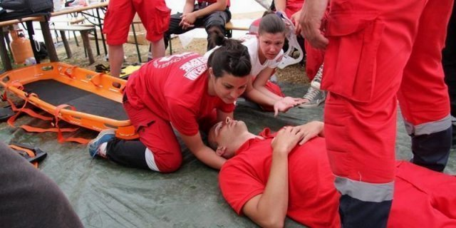 Obaveza poslodavca je da obezbedi uslove i obučene za pružanje prve pomoći