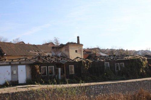 Сада су остале само рушевине од некадашње пиваре, а потом винарије; фото: Јужне вести