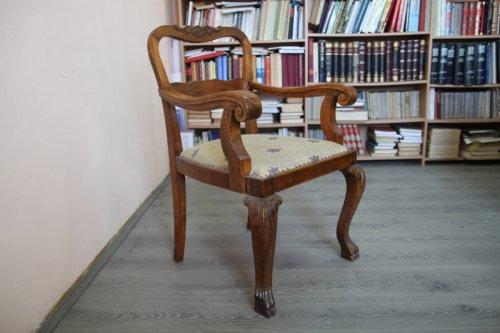 Фотеља Јована Апела чува се у Завичајном музеју у Алексинцу; фото: Јужне вести