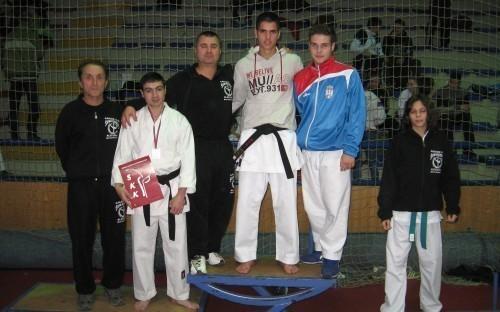 Каратисти Шуматовца освојили сребрну медаљу
