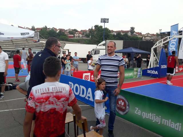 Divan dan sporta u Aleksincu