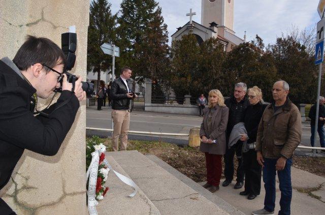 У знак помирења држава треба да подигне споменик помирењу