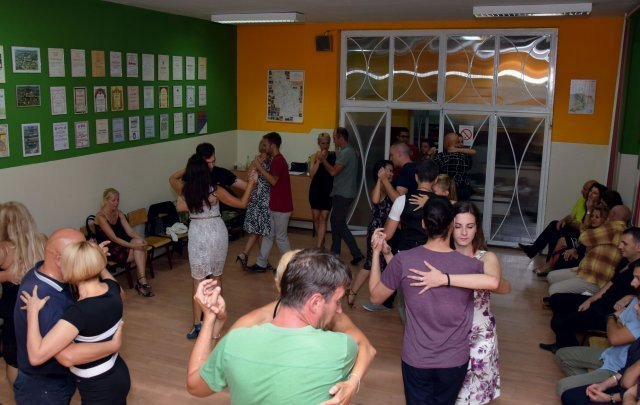 Tango pod Leskovikom