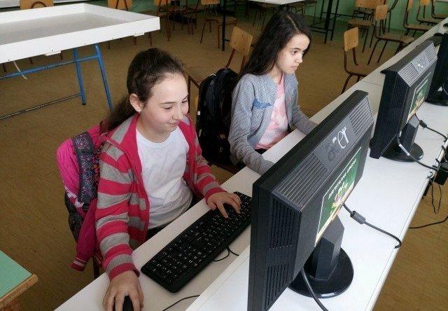 Deca iz Žitkovca se plasirala na republičko takmičenje iz informatike