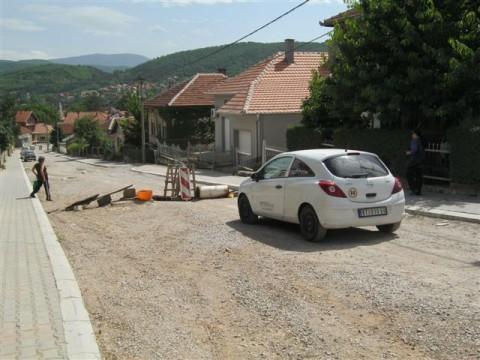 Станари блокирали улицу у Алексинцу