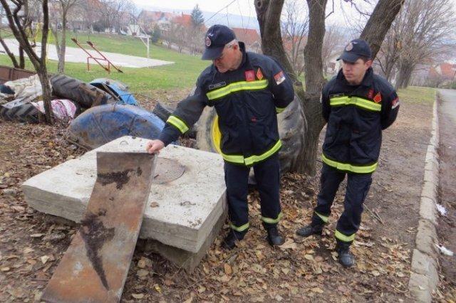 Vatrogasac sišao u bunar dubok 18 metara da spasi dete