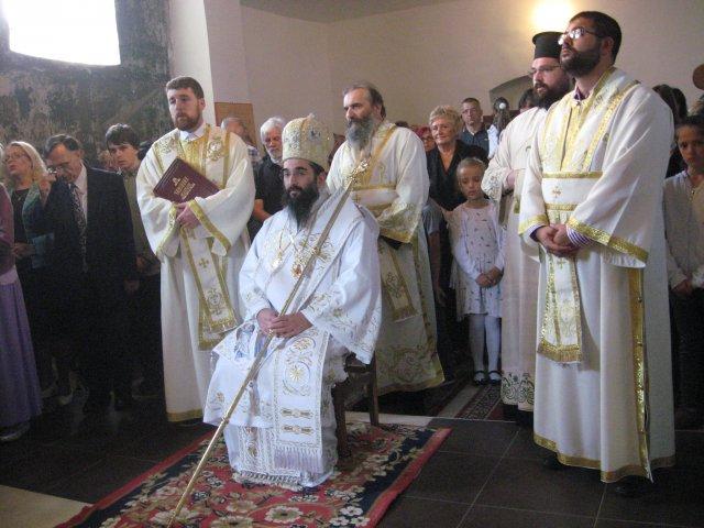 Освештен нови иконостас у цркви Пресвете Богородице у Тешици
