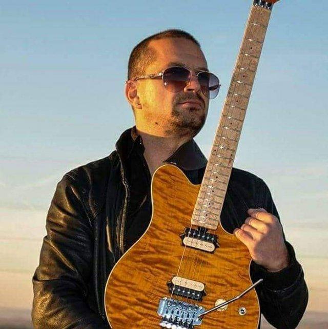 Отвара се школа рок гитаре у Алексинцу