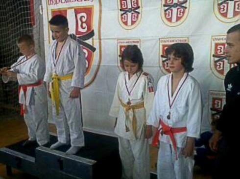 Četiri medalje mladih džudista