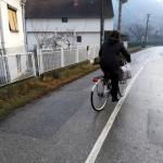 Четврт века, скоро без дана одмора, Вакупчанка разноси млеко на бициклу