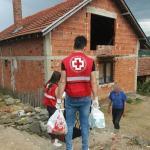 Црвени крст испоручио пакете корисницима Центра за социјални рад