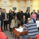 Тужба против општинске изборне комисије: Кандидат СНС-а оверавач потписа
