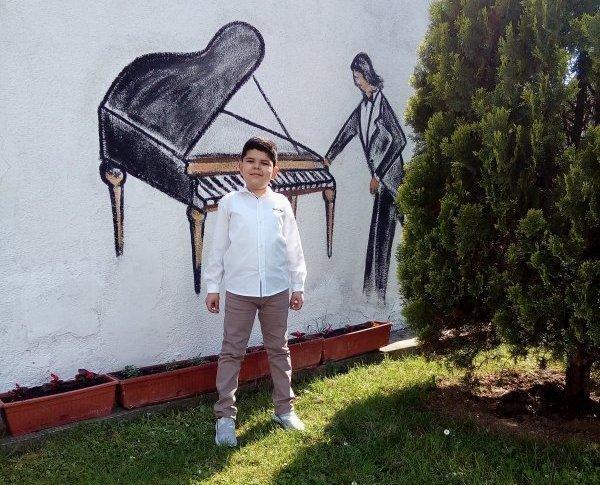 Специјална награда и лауреат за пијанисту из Алексинца