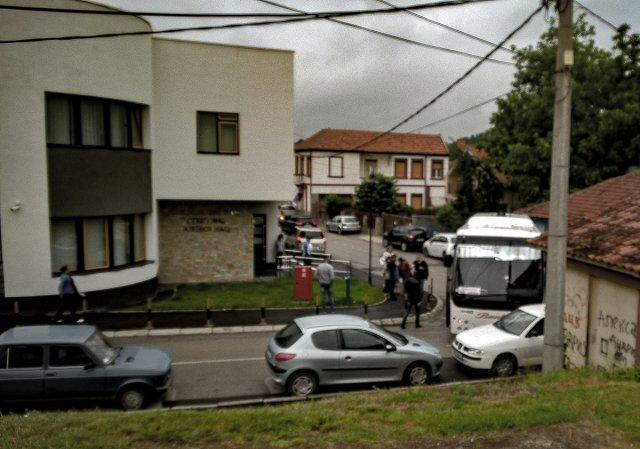 Залутали аутобус направио гужву у граду