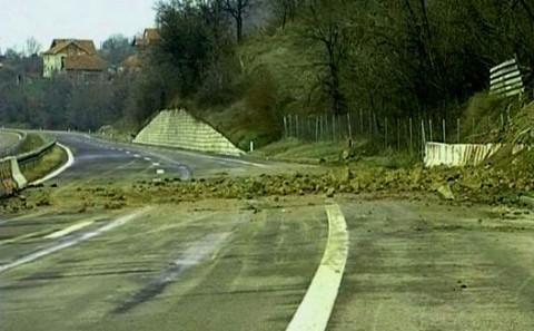 Neraščišćen auto-put kod Aleksinca