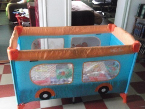 На продају 2 дечија кревета