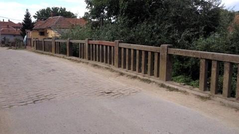 Гробарски мост опасан по живот