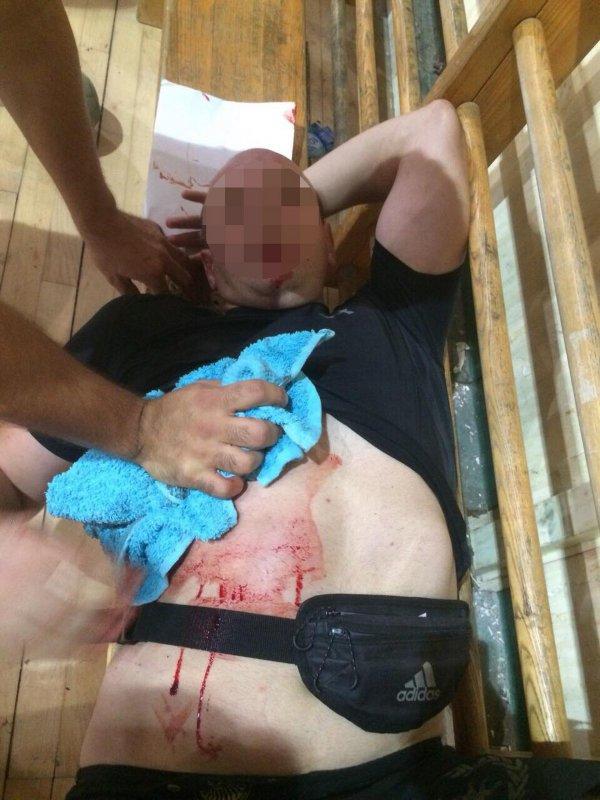 Pobunio se protiv huligana, a onda je izboden posle treninga