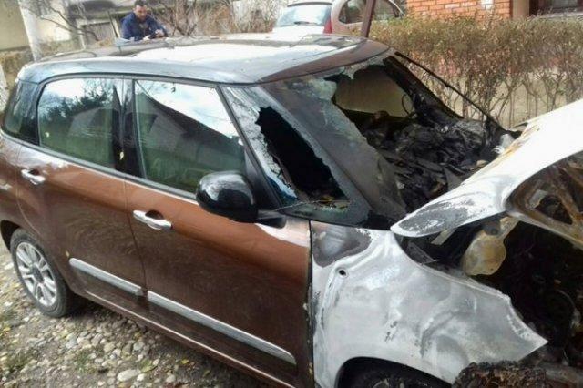 """Zapaljeno vozilo u Aleksincu: Izgoreo automobil menadžera """"Gramera"""""""