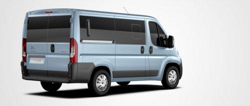 Уговор за испоруку два возила за превоз пацијената на дијализу